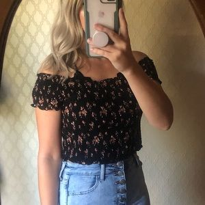 Ditsty floral stretchy crop top
